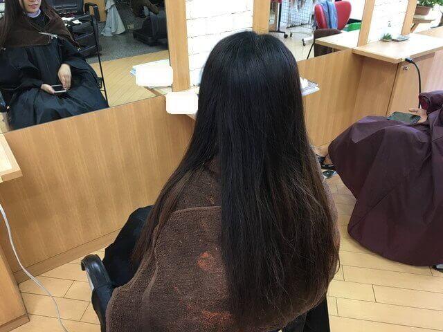 アッシュグレーで染める前のブリーチなしの髪の毛