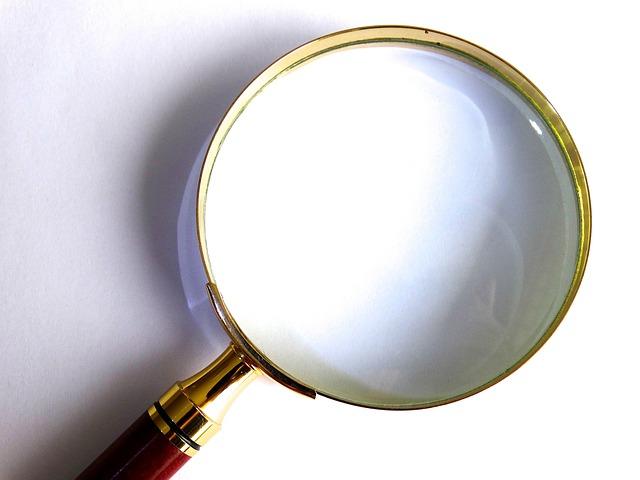虫眼鏡の写真