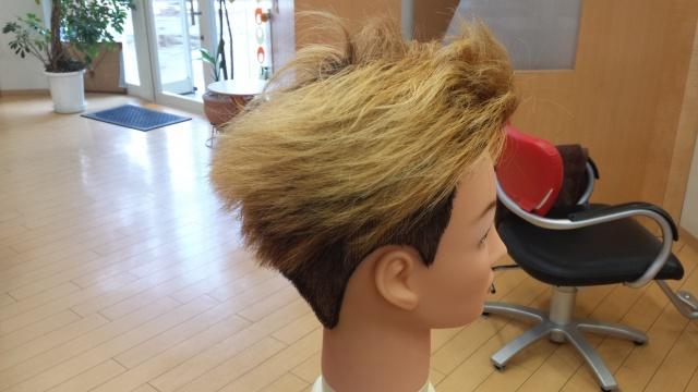 one ok rock Takaさんの髪型 ブリーチ2回後の写真