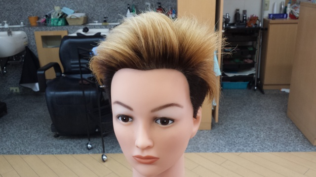 one ok rock Takaさんの髪型 ブリーチ3回後の写真 正面