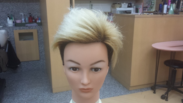 ブリーチ4回したONE OK ROCK Takaさんの髪型