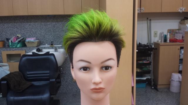 緑マニキュアスタイリング後正面の写真