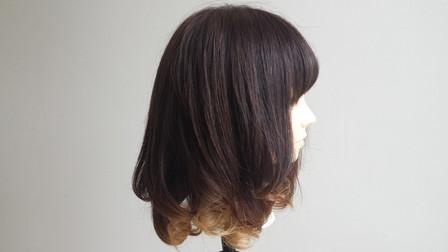 コテで巻き終わった状態の髪の毛 横