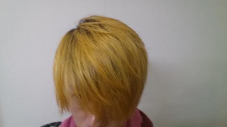 ブリーチ1回の髪の毛の写真