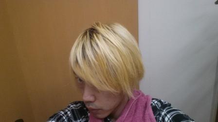 ブリーチ3回の髪の毛の写真