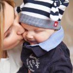 赤ちゃんとお母さんの写真