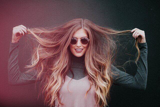 女性のロングヘアとは ロングヘアのメリットやデメリットを紹介