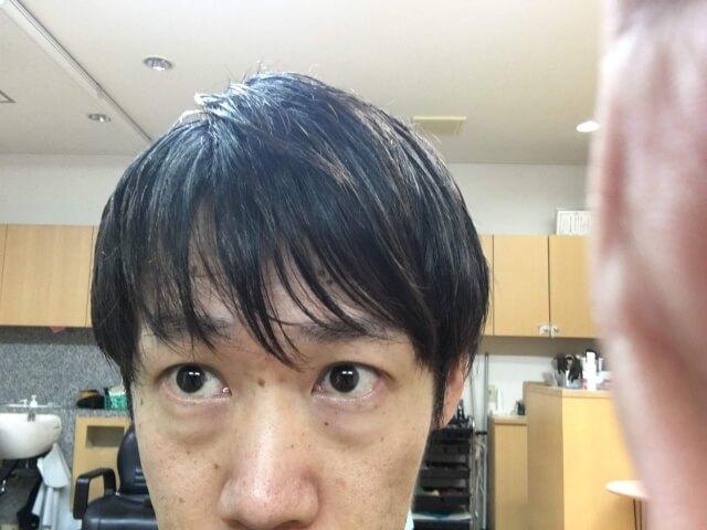 ニベアを付けすぎた髪の毛の写真アップ
