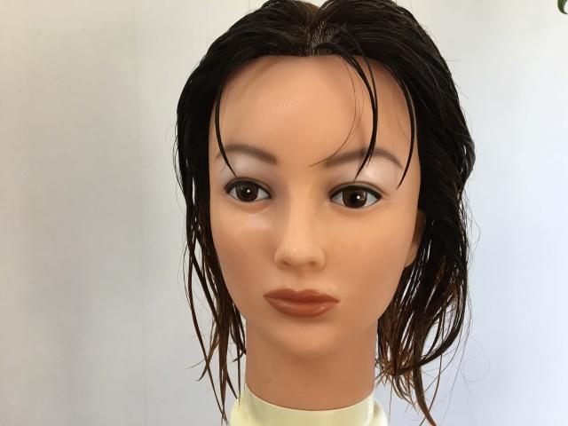 髪の毛を全部濡らした状態の写真