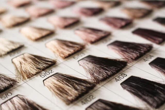白髪用カラーチャートの写真