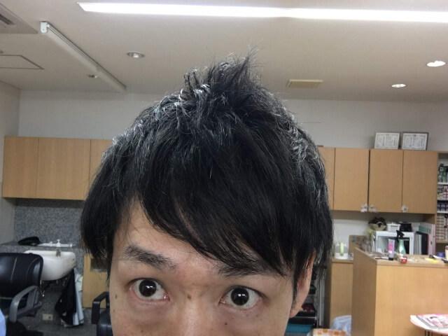 ワックスが付いている髪の毛の写真