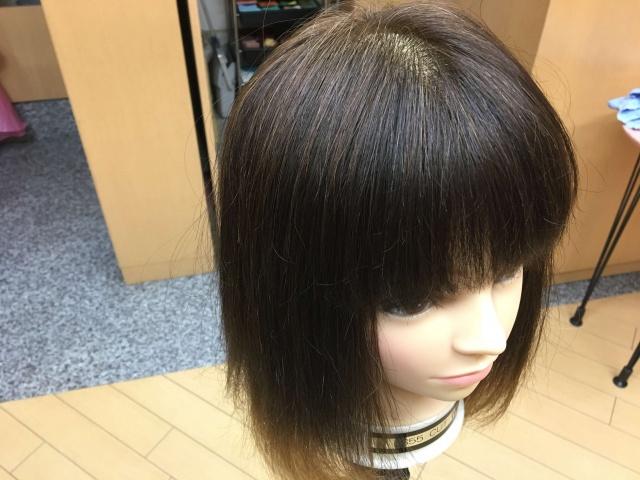 シールエクステを付ける前の髪の毛の写真