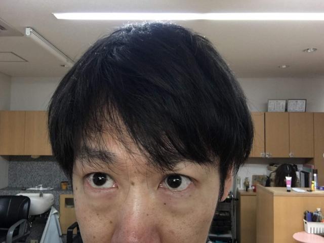 洗い流さないトリートメント付ける前の髪の毛の写真