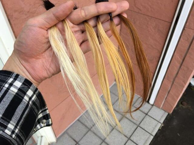 1~6回ブリーチした髪の毛束6本屋外の写真
