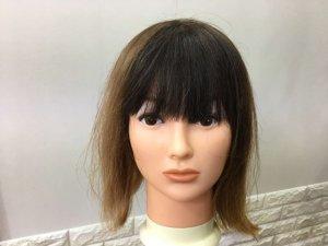 蒸しタオルを外した髪の毛の写真