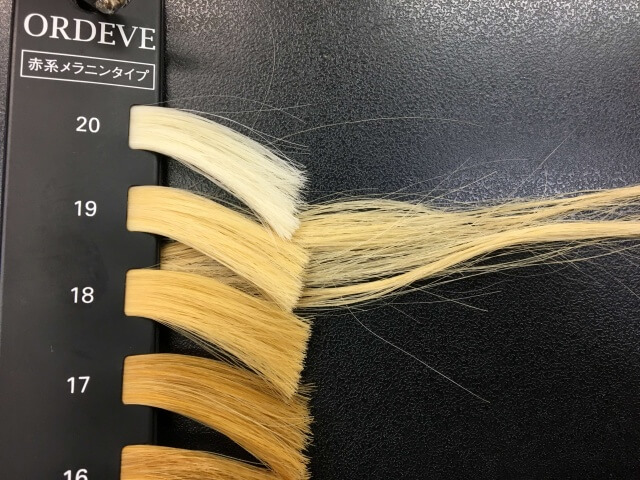 5回ブリーチした髪の毛のレベルの写真