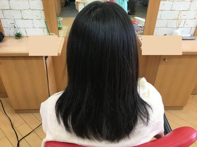 クセを伸ばす前の髪の毛の写真