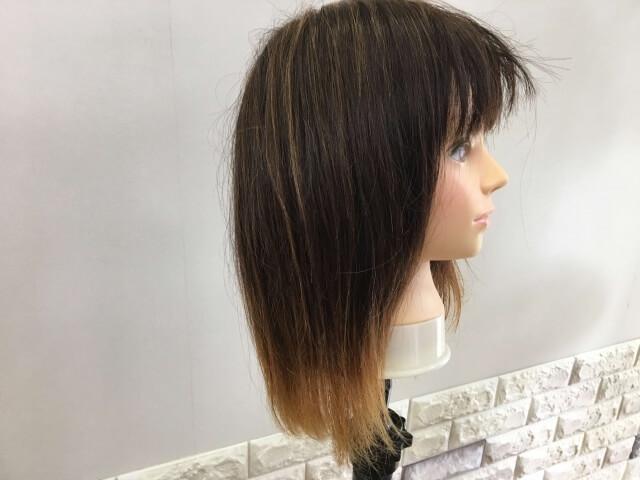 流さないトリートメントを付けた側の髪の毛の写真