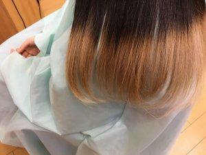 ヘアビューロンで伸ばした人毛仕上がりアップ写真