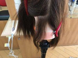 ヘアビューロンで伸ばす前の髪の毛の写真