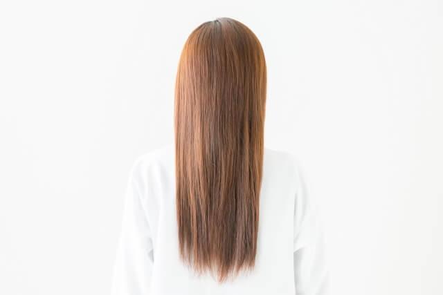 長い髪の毛の女性の写真