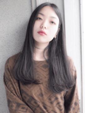 長め前髪の写真