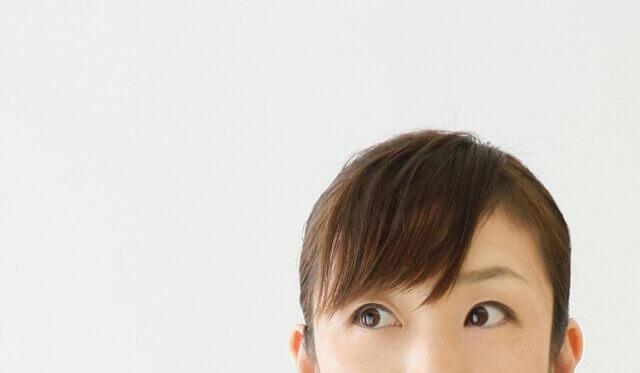 女性の前髪の写真