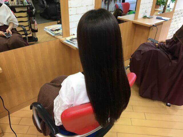 グレーアッシュブリーチなしの髪の毛ヘアカラー後の写真
