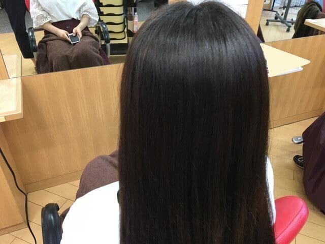 グレーアッシュブリーチなしの髪の毛ヘアカラー後の写真アップ