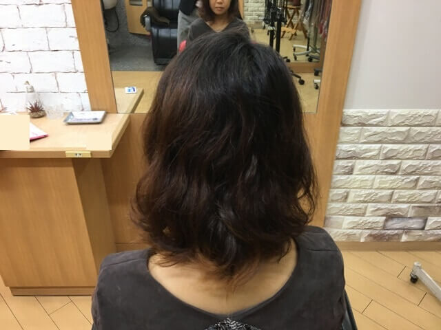 バレイヤージュを塗る髪の毛の写真