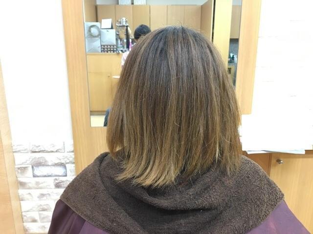 ヴィンテージグレイで染める前の髪の毛の写真後ろ