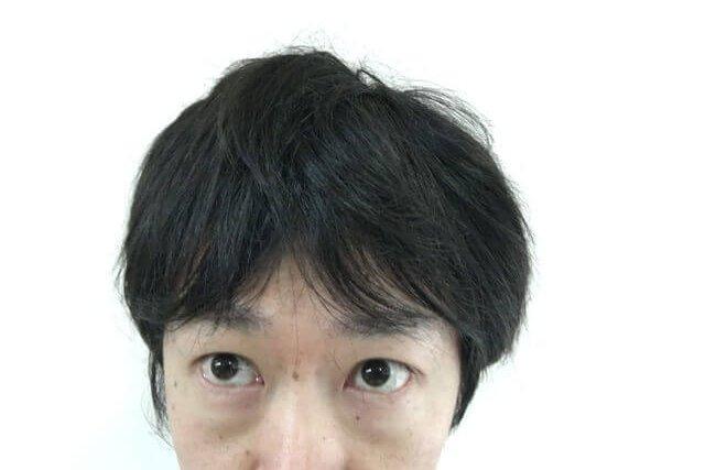 寝起きの髪の毛の写真