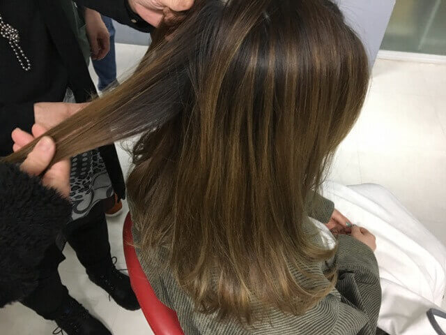 ionaカラーの前の髪の毛の写真
