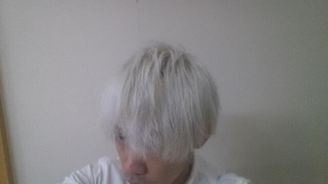 ブリーチ6回した髪の毛の写真