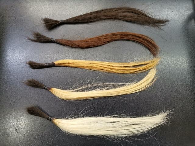 黒髪、こげ茶、ブリーチ1回3回5回の髪の毛