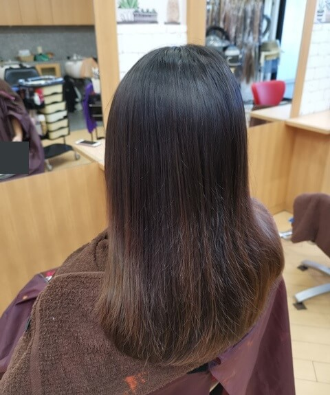 ラベンダーピンク前の髪の毛左の写真
