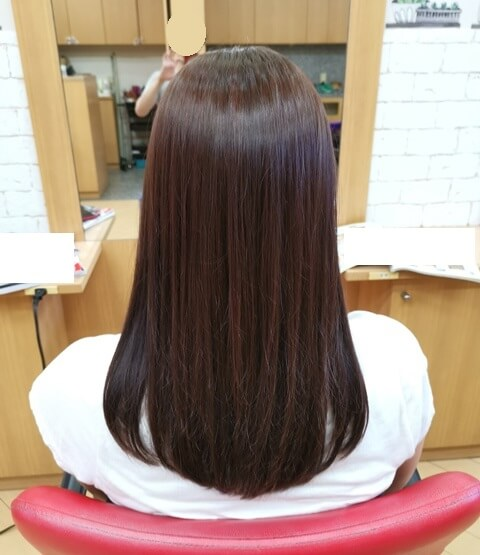 ラベンダーピンクで染めた髪の毛後ろの写真2