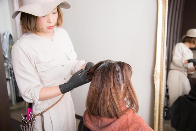 【2020年版】全国美容院ヘアカラー料金の平均や相場は?