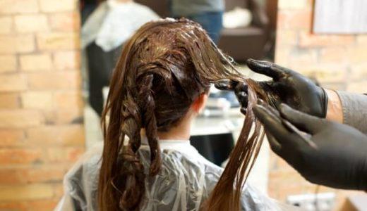 髪質改善トリートメントとヘアカラーは同時にできる?色落ちしない方法とは