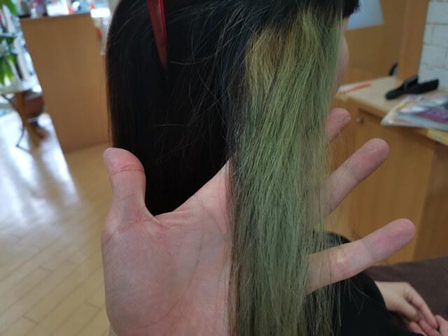 インナーカラーアッシュ色落ち1ヶ月後毛先